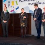 Wręczenie CONNECTOR 2014 - od prawej Eugeniusz Gaca (KIGEiT), Piotr marciniak (KIKE), Eliza Pogorzelska (WWPE), Kamil Kurek (KIKE)