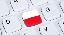 depositphotos_75327393-stock-photo-poland-flag-internet-on-computer